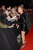 london england exclusive coverage hailey baldwin