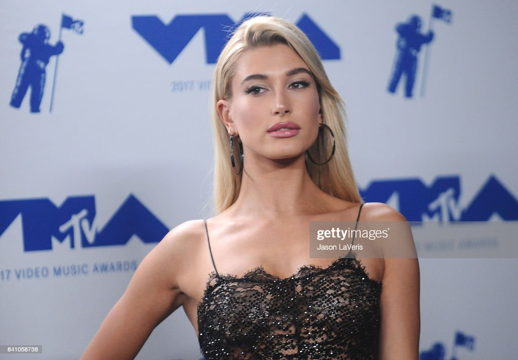 Hailey Baldwin poses in the press room at the 2017 MTV Video Music Awards at The Forum on August 27, 2017 in Inglewood, California.