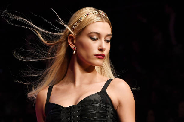 Hailey Baldwin walks the runway at the Dolce & Gabbana show during Milan Fashion Week Spring/Summer 2018 on September 24, 2017 in Milan, Italy.