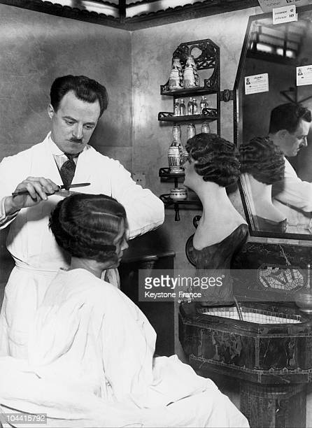 A hairdresser at work in a Paris hairsalon in March 1929