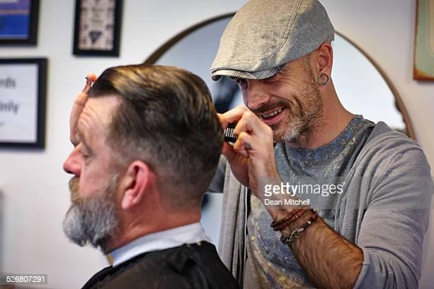 Coiffeur coupe de cheveux homme
