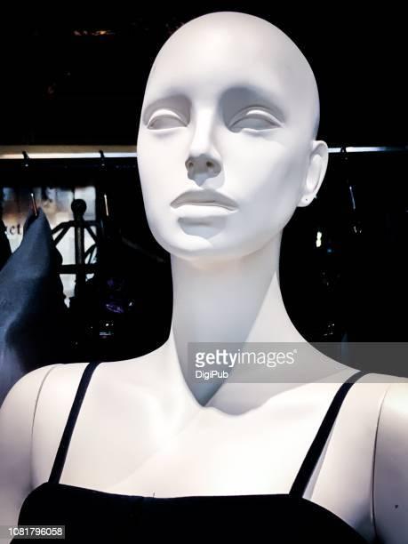 hairless female like mannequin portrait - マネキン人形 ストックフォトと画像
