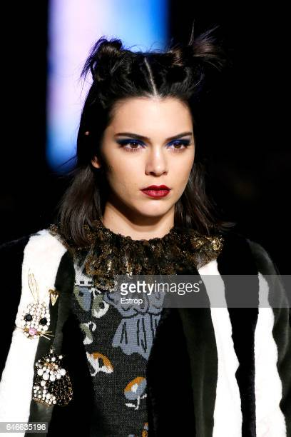 Hairstyle detail at the Anna Sui show during the New York Fashion Week February 2017 collections on February 15 2017 in New York City