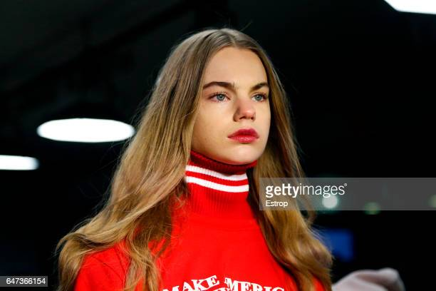 Hairstyle detail at the Public School show during the New York Fashion Week February 2017 collections on February 12 2017 in New York City