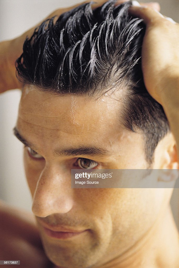 Hairstyling : Stock Photo