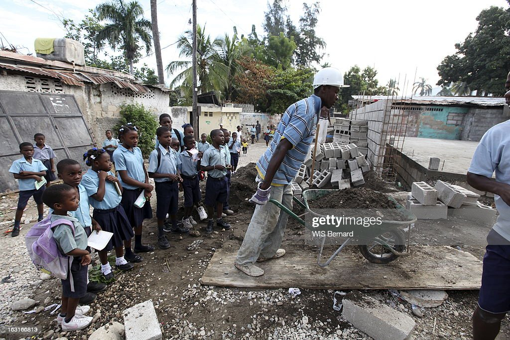 Haiti One Year After The Earthquake The School Carius Lherisson In - Paris port au prince