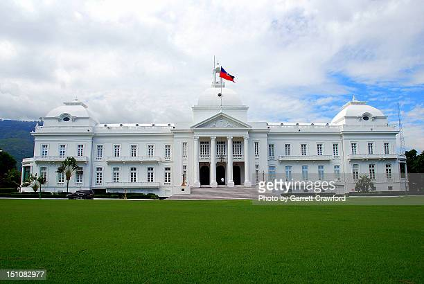 haiti presidential palace (before 2009 earthquake) - haiti stock pictures, royalty-free photos & images