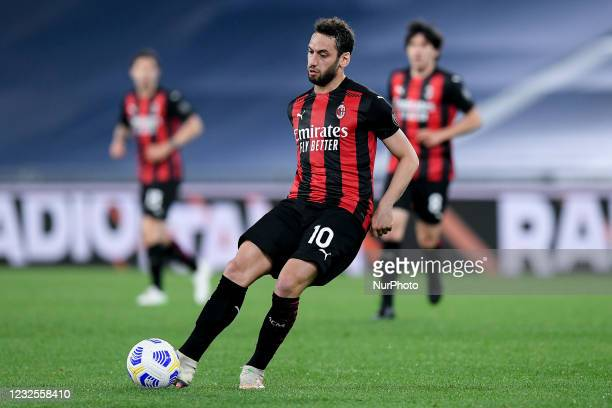 6,105 Hakan Calhanoglu Photos and Premium High Res Pictures - Getty Images