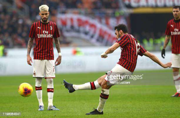 Hakan Calhanoglu of AC Milan scores his goal on free kick during the Serie A match between AC Milan and Hellas Verona at Stadio Giuseppe Meazza on...