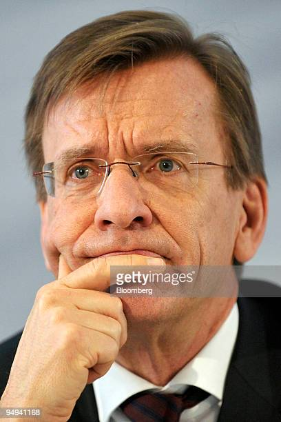 Hakan Samuelsson chief executive officer of MAN AG pauses during the presentation of the company's 2008 results in Munich Germany on Thursday Feb 19...