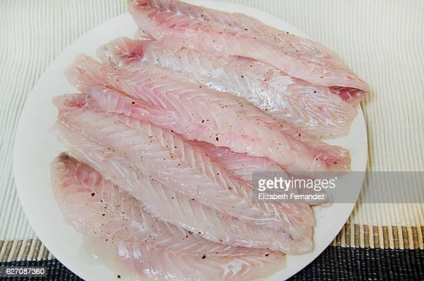 hake raw fillet - merluza fotografías e imágenes de stock