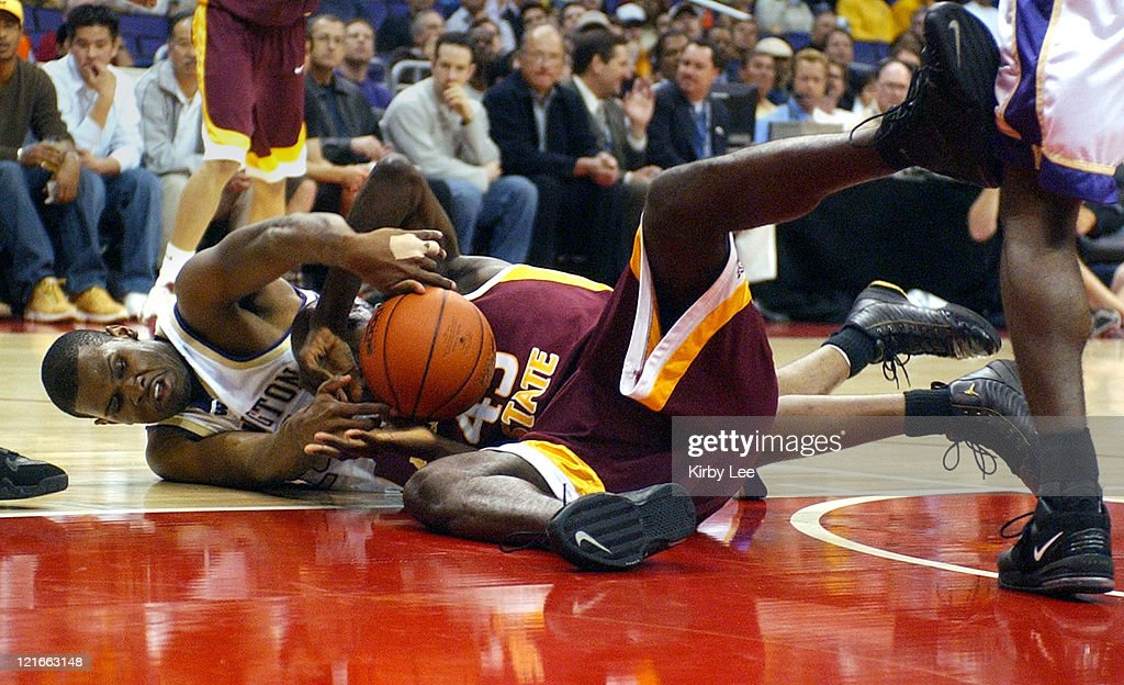 NCAA 2005 Pac-10 Men's Tournament - First Round - Washington vs Arizona State : News Photo