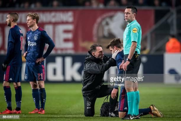 Hakim Ziyech of Ajax Frenkie de Jong of Ajax Ronald Vermeer Maximilian Max Wober of Ajax referee Dennis Higler during the Dutch Eredivisie match...