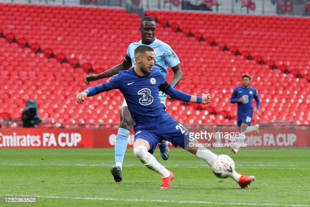 Hakim Ziyech of Chelsea scores their 1st goal during the Semi Final of the Emirates FA Cup match between Manchester City and Chelsea FC at Wembley...