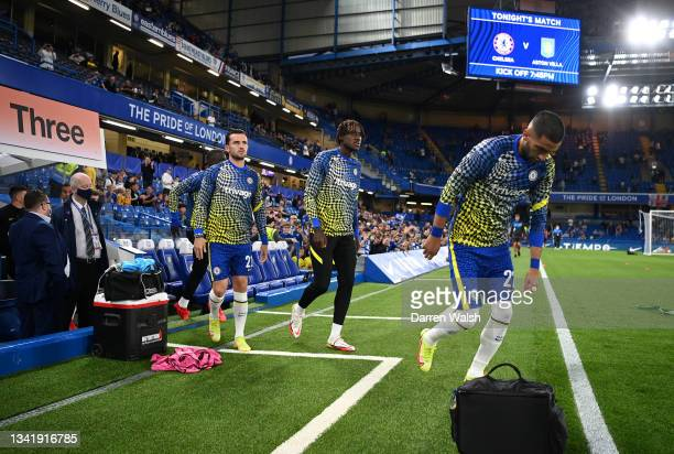 Hakim Ziyech, Ruben Loftus-Cheek and Ben Chilwell of Chelsea begin their warm up prior to the Carabao Cup Third Round match between Chelsea and Aston...