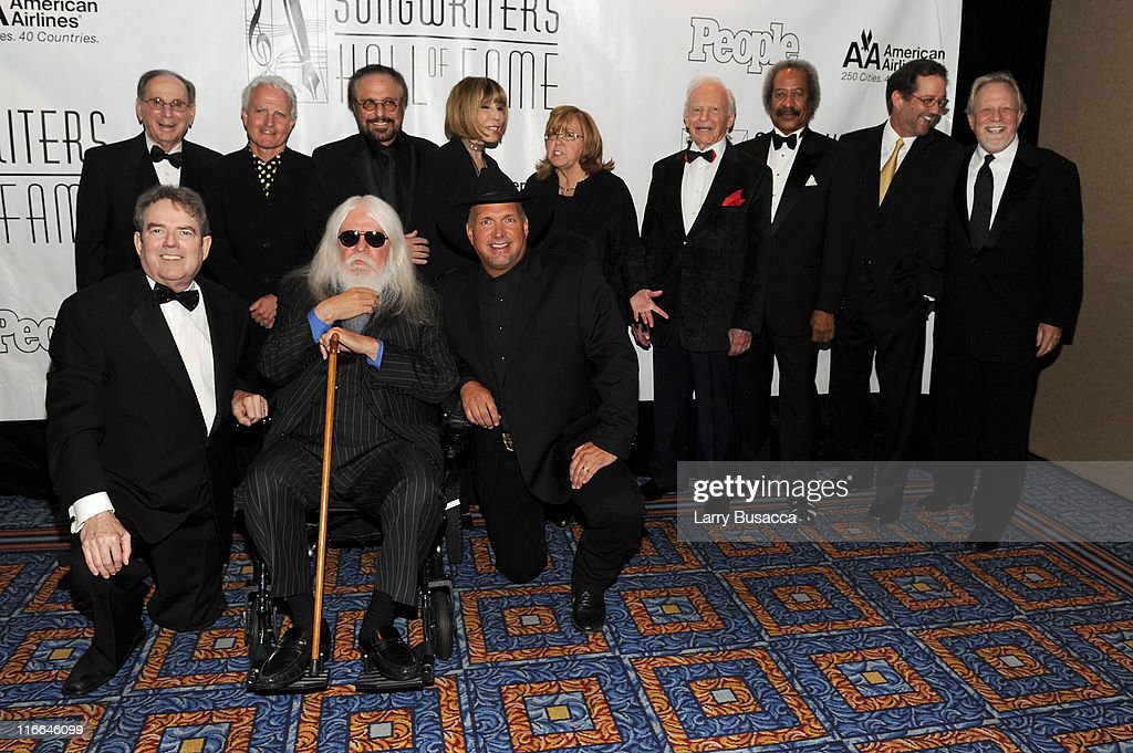 Hal David, Tom Kelly, Billy Steinberg, Barry Mann, Leon Russell Cynthia Weil, Linda Moran,Irvin Drake, Allen Toussaint, John Betti and Garth Brooks attend the Songwriters Hall of Fame 42nd Annual Induction and Awards at The New York Marriott Marquis Hotel - Shubert Alley on June 16, 2011 in New York City.