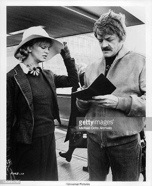 Hal Holbrook gives Goldie Hawn directions to his Moscow flat in a scene from the film 'The Girl From Petrovka' 1974