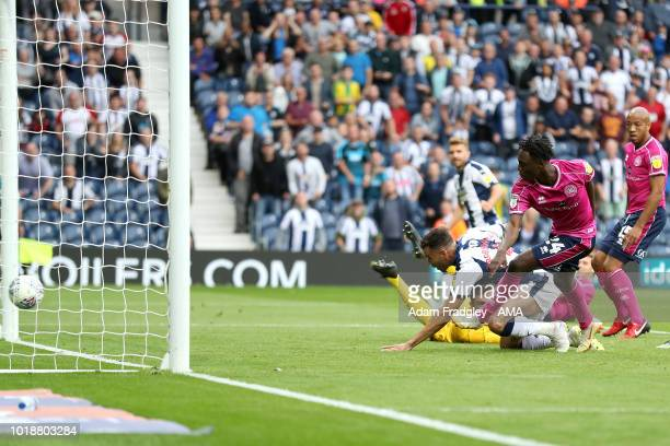 Hal RobsonKanu of West Bromwich Albion scores a goal to make it 71 during the Sky Bet Championship match between West Bromwich Albion and Queens Park...