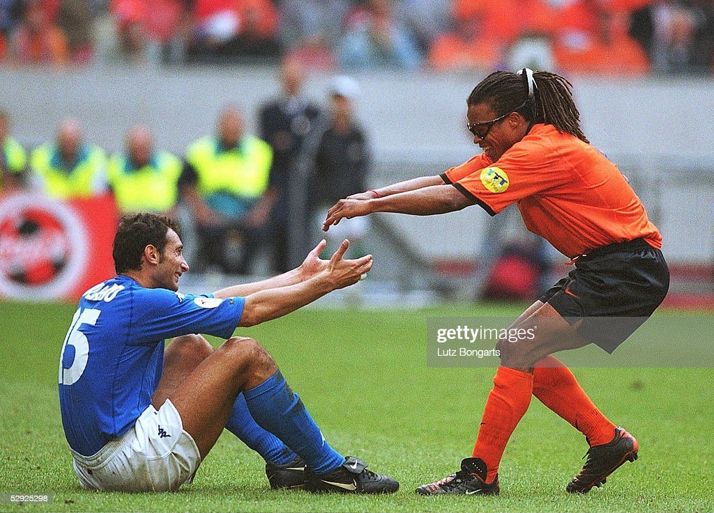 EM EURO 2000 ITA - HOL n.E. 3:1 : News Photo