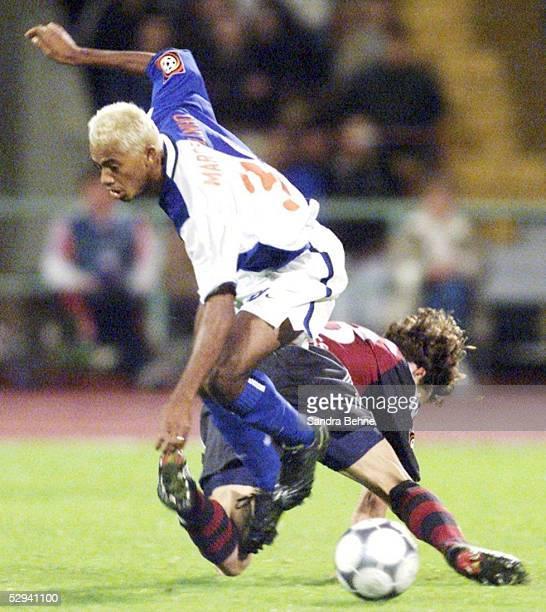 LIGAPOKAL 2001 Halbfinale Augsburg HERTHA BSC BERLIN FC BAYERN MUENCHEN 10 MARCELINHO/HERTHA Owen HARGREAVES/BAYERN