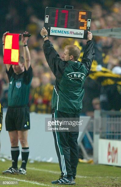 POKAL 01/02 Halbfinale Dortmund BORUSSIA DORTMUND AC MAILAND 40 EINWECHSLUNG