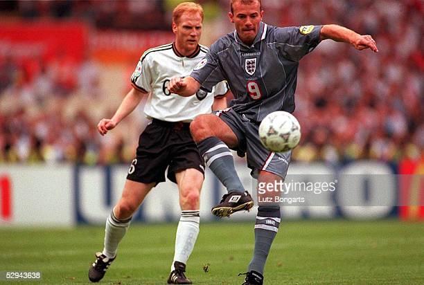 Halbfinale GER - ENG n.E. 7:6 London; Matthias SAMMER/Deutschland, Alan SHEARER/England