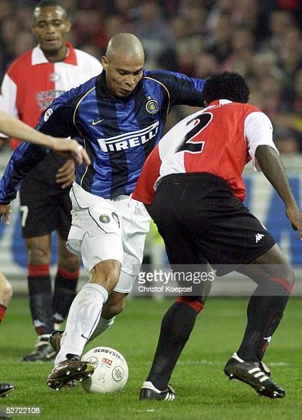 POKAL 01/02 Halbfinale Rotterdam FEYENOORD ROTTERDAM INTER MAILAND RONALDO/INTER Cristian GYAN/FEYENOORD