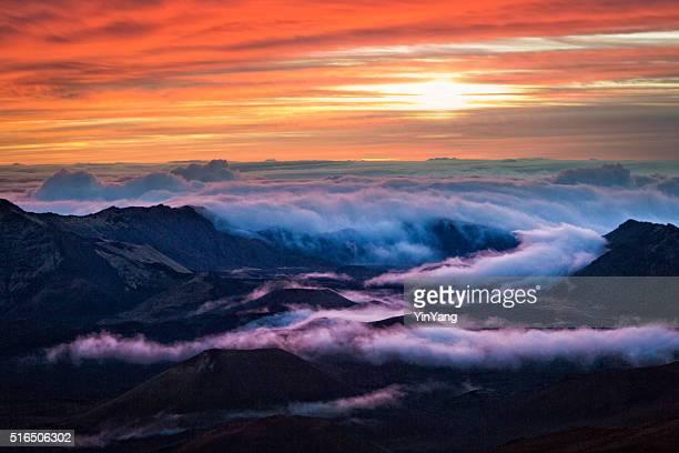 Cratera de Haleakala Parque Nacional nascer do sol em Maui Havaí