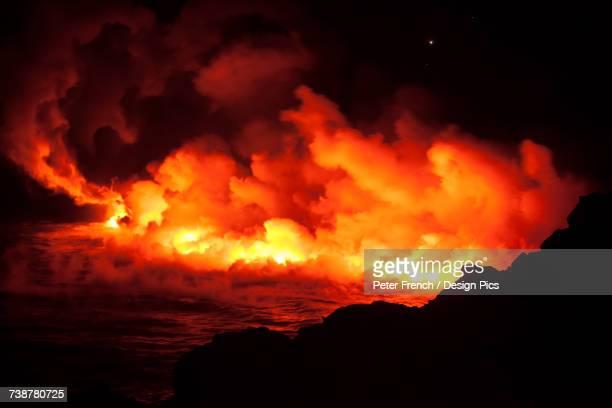 halemaumau crater, kilauea caldera, hawaii volcanoes national park - active volcano stock pictures, royalty-free photos & images
