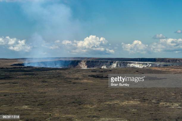 halema'uma'u crater of kilauea volcano - volcanic crater stock pictures, royalty-free photos & images