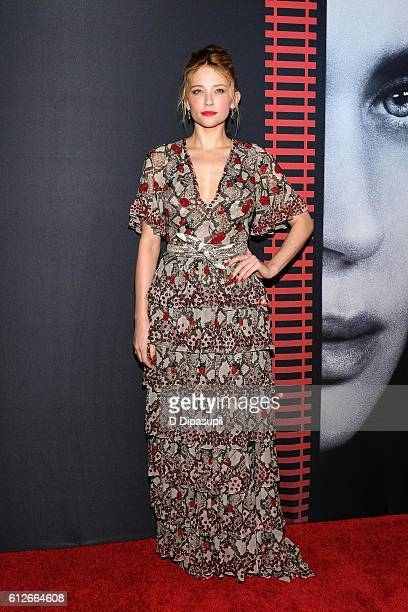 """Haley Bennett attends """"The Girl on the Train"""" New York premiere at Regal E-Walk Stadium 13 on October 4, 2016 in New York City."""