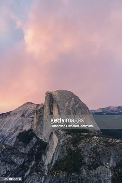half dome from glacier point at sunset, yosemite national park, california, usa - francesco riccardo iacomino united states foto e immagini stock