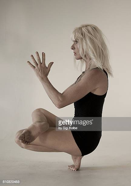 Half Lotus Toe balance
