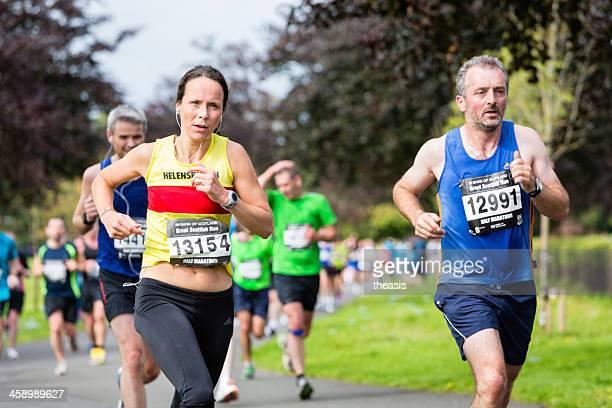 meia maratona corredores - theasis imagens e fotografias de stock