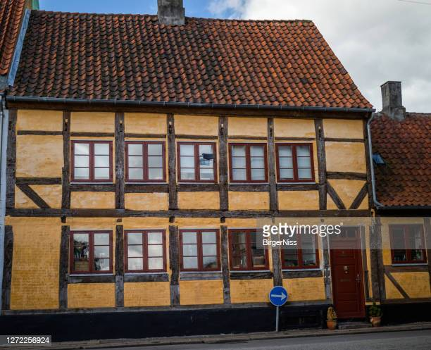 half-timbered apartment building, helsingør, denmark - helsingor stock pictures, royalty-free photos & images