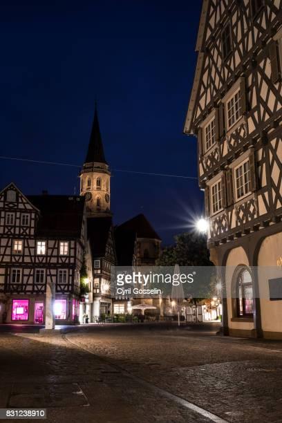 half-timbered houses in schorndorf - kirche fotografías e imágenes de stock