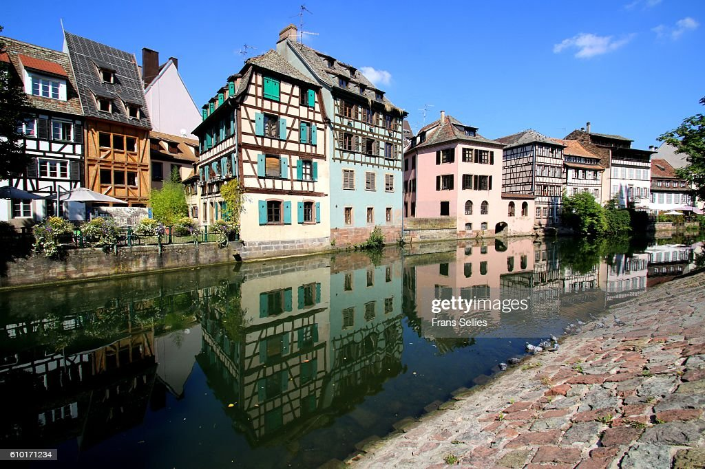 Half-timbered houses reflected in the Ill river, La Petite France quarter, Strasbourg, France : Stockfoto