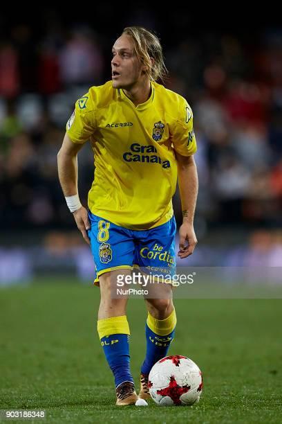 Halilovic of UD Las Palmas prior to a free kick during the Copa del Rey Round of 16 second leg game between Valencia CF and Las Palmas at Mestalla on...