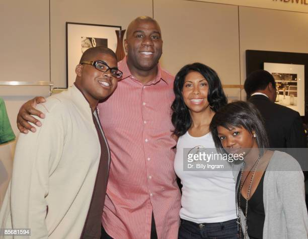 NBA hall of fame basketball legend Earvin Magic Johnson poses with his son EJ his wife Cookie Johnson and their daughter Elisa Johnson at the...
