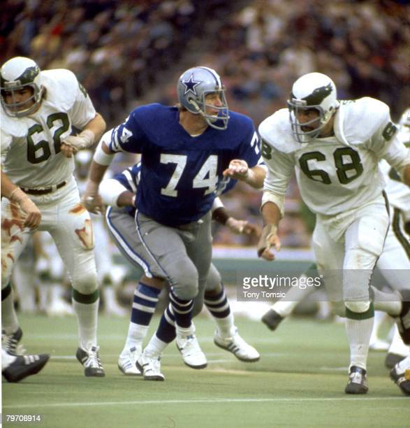 Hall of fame defensive tackle Bob Lilly of the Dallas Cowboys tries to get past a Philadelphia Eagles lineman in a 3016 loss to the Eagles on October...