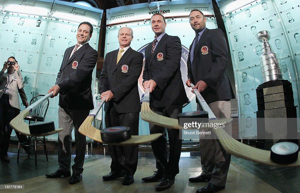 2011 Hockey Hall Of Fame Induction : News Photo