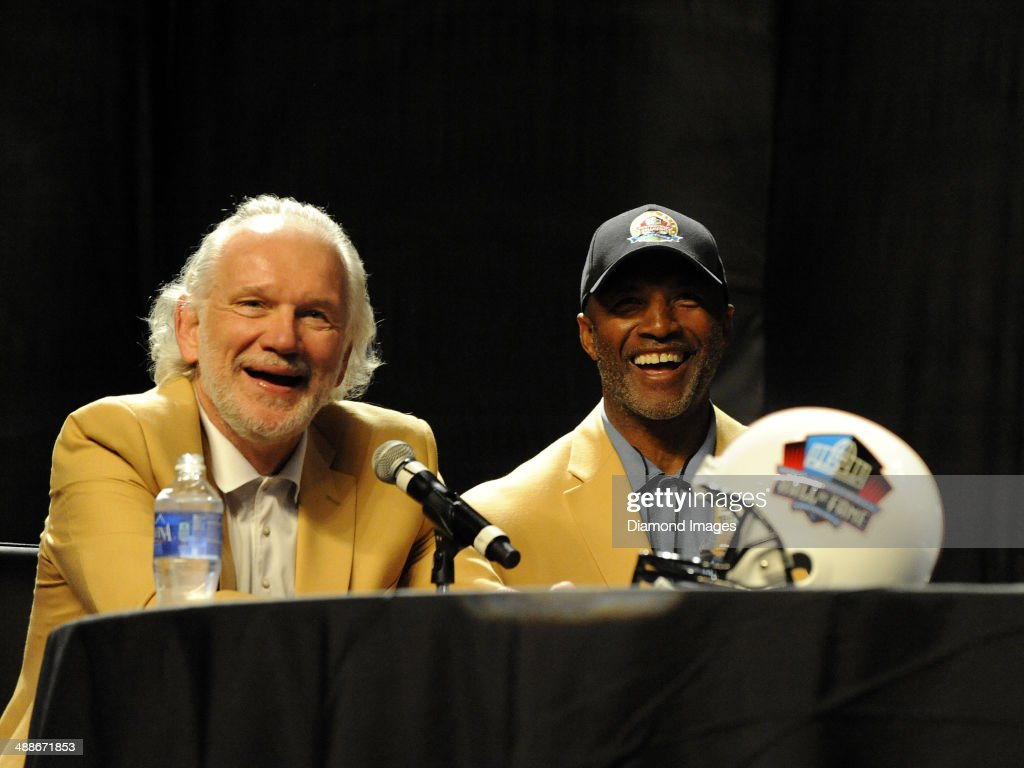 82705a3cd8a Hall of Fame linebacker Jack Ham and safety Mel Blount takes part in ...