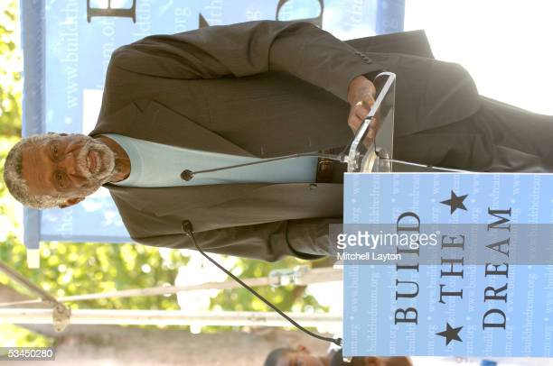 Hall of Fame player Bill Russell speaks at the Martin Luther King Memorial Foundation's launching of the Kids For King program on August 22 2005 at...