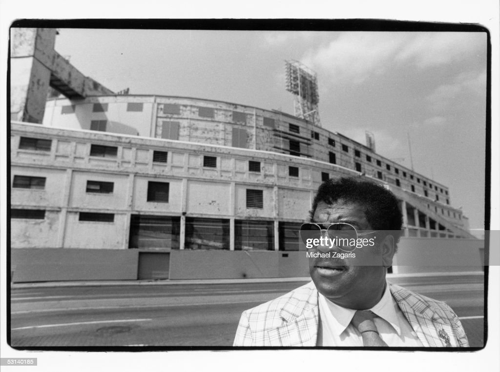 Dick 'Night Train' Lane Portrait : News Photo