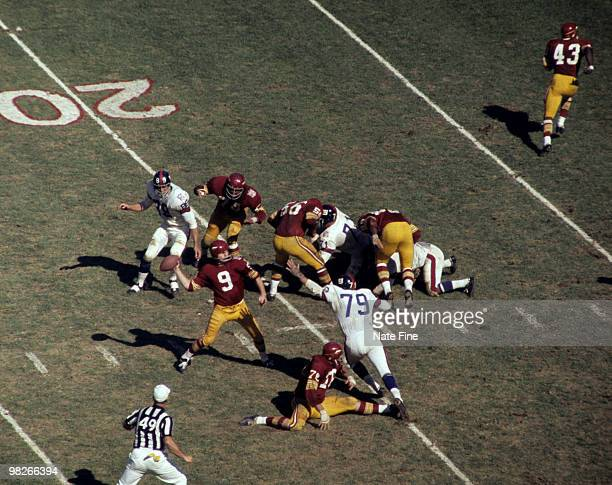 Hall of Fame quarterback Sonny Jurgensen of the Washington Redskins throws a pass during the Redskins 2014 victory over the New York Giants on...