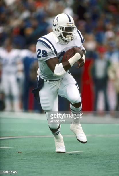 Hall of Fame running back Eric Dickerson rushes the football in a 34-23 loss to the Buffalo Bills on 10/9/1988 at Rich Stadium in Buffalo, New York.