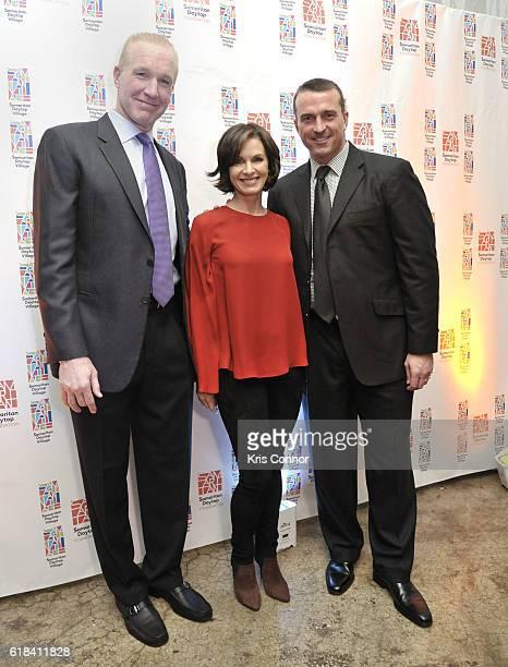 Hall of Famer Chris Mullin ABC News Anchor Elizabeth Vargas and NBA Hall of Famer Chris Herren attend the 2016 Samaritan Daytop Foundation Gala at...