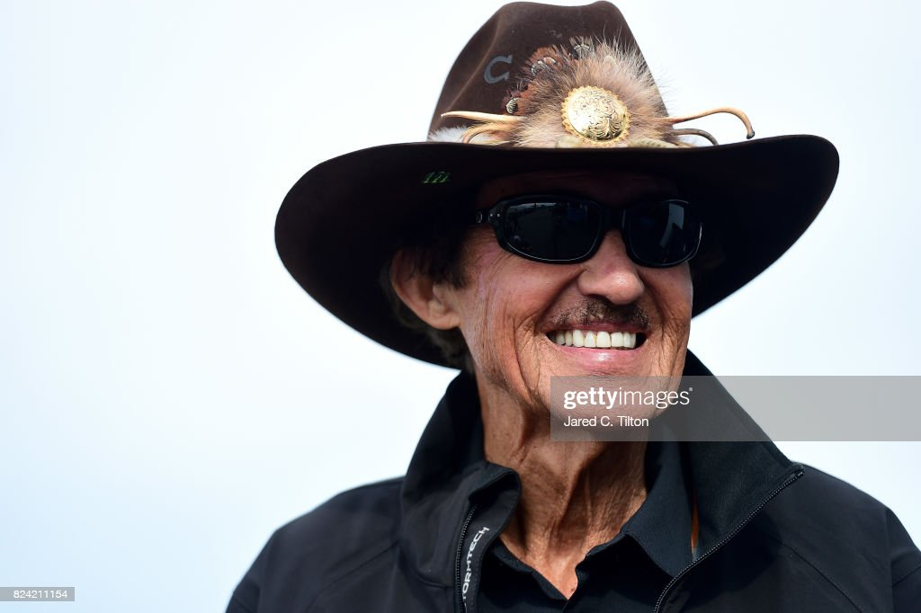 Monster Energy NASCAR Cup Series Overton's 400 - Practice : News Photo