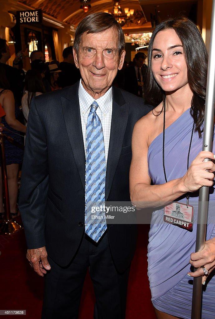 2014 NHL Awards - Red Carpet : News Photo