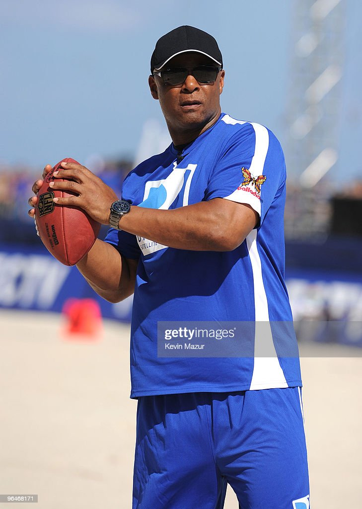 Hall of Famer Warren Moon attends DIRECTV's 4th Annual Celebrity Beach Bowl on February 6, 2010 in Miami Beach, Florida.